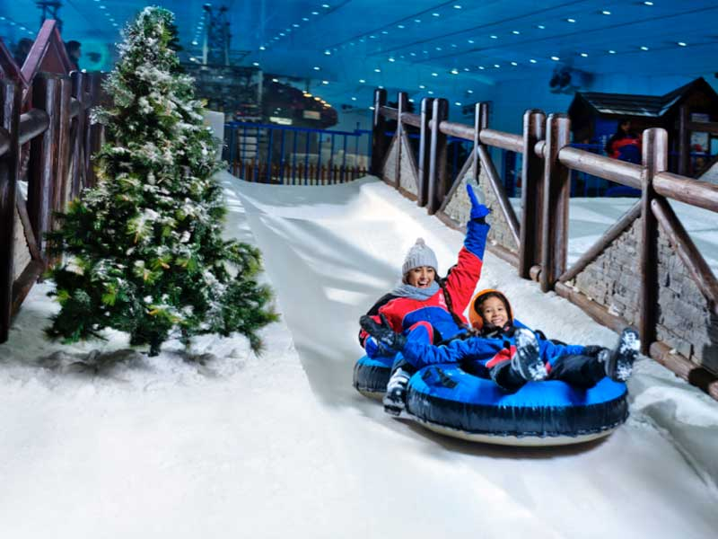 Ski Dubai in Mall of the Emirates