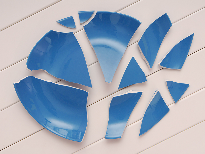 Broken blue plate showing the Danish tradition of breaking dishes.